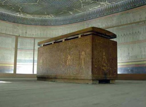 Thutmose III tomb